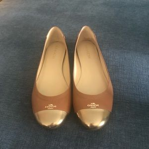 Coach size 10 flats in camel lightly worn